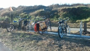These 4 racks are located where there is more space so people with longtails, trailers, tandems and trail-a-bikes can comfortably park